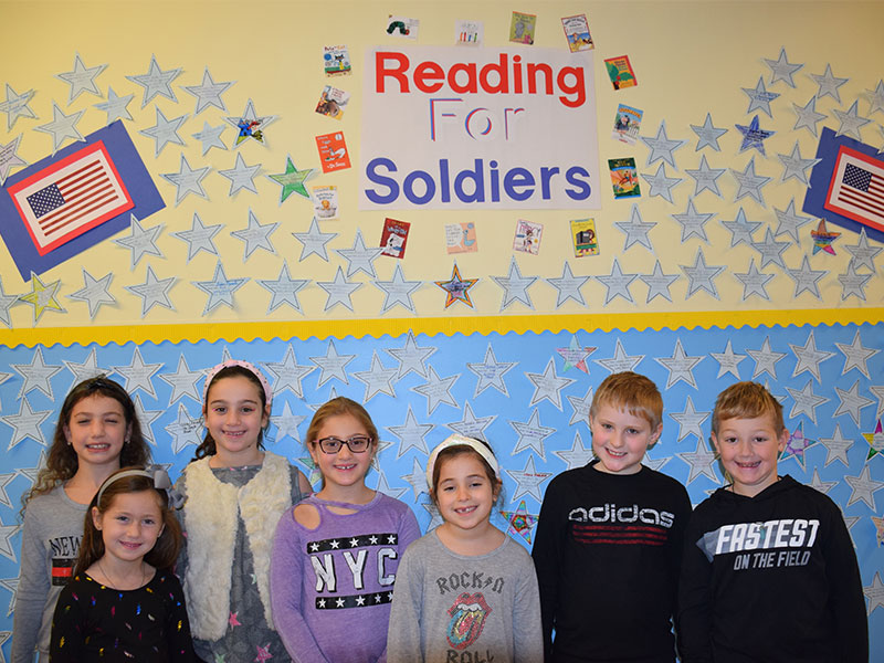 Reading for Soldiers photo